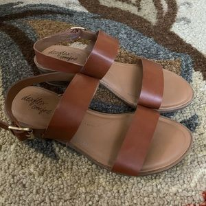 8.5 Wide Sandals